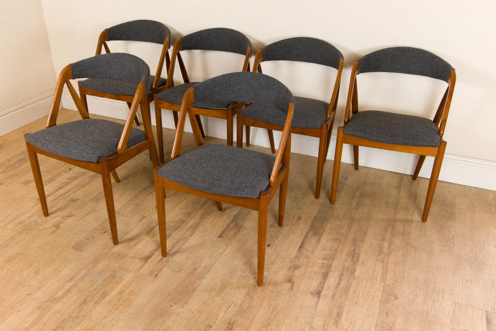 Vintage teak extendable round dining table and 4 kai kristiansen chairs danish - Round teak table and chairs ...