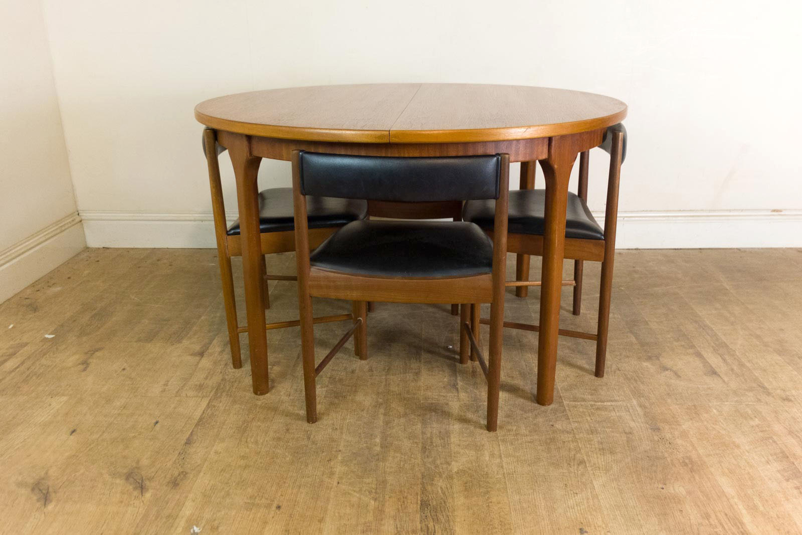 VINTAGE RETRO MID CENTURY TEAK DINING TABLE amp FOUR 4 TUCK  : HV290803 1 from www.ebay.co.uk size 1600 x 1067 jpeg 210kB