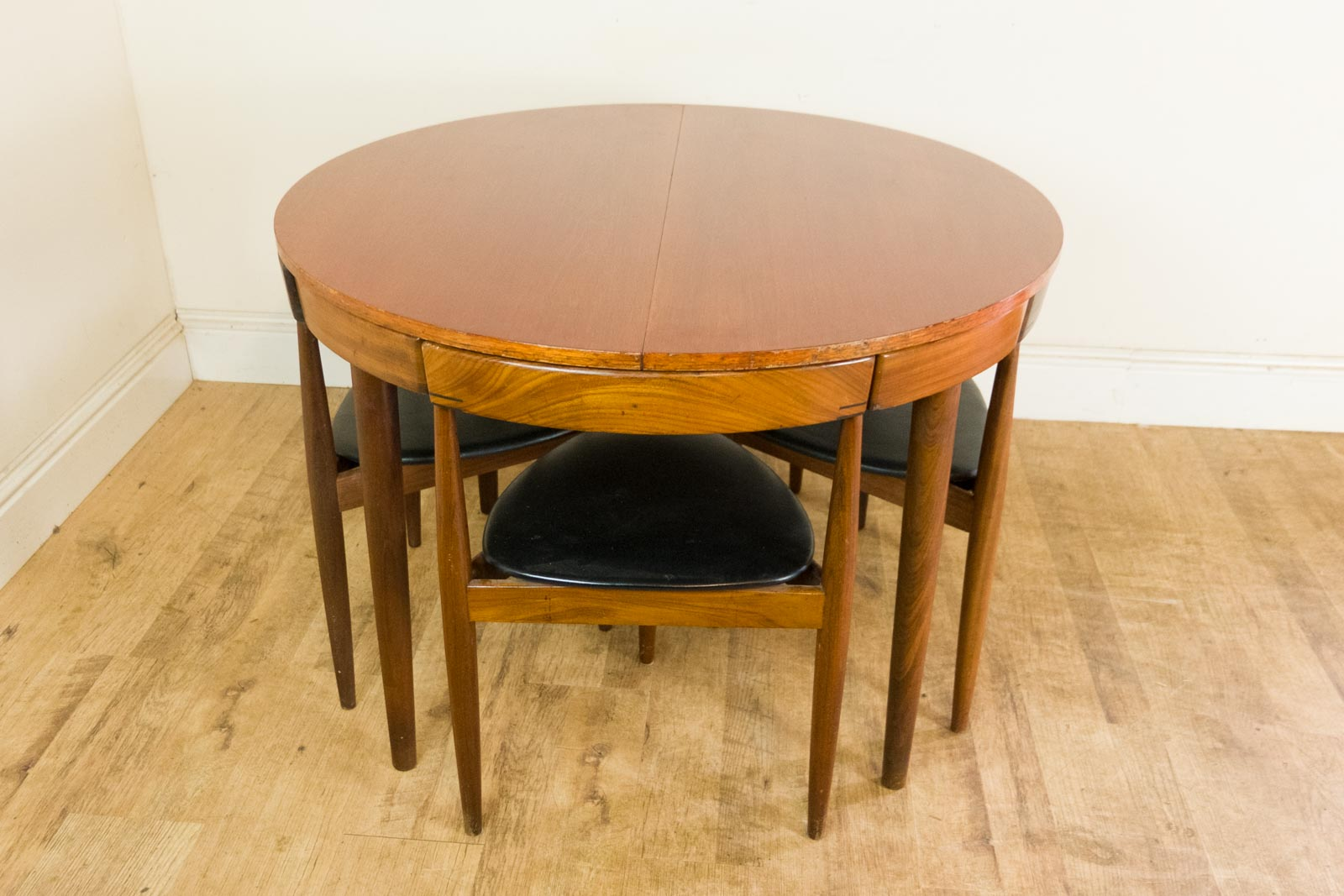 iconic danish dining table and 4 chairs by hans olsen for frem rojle