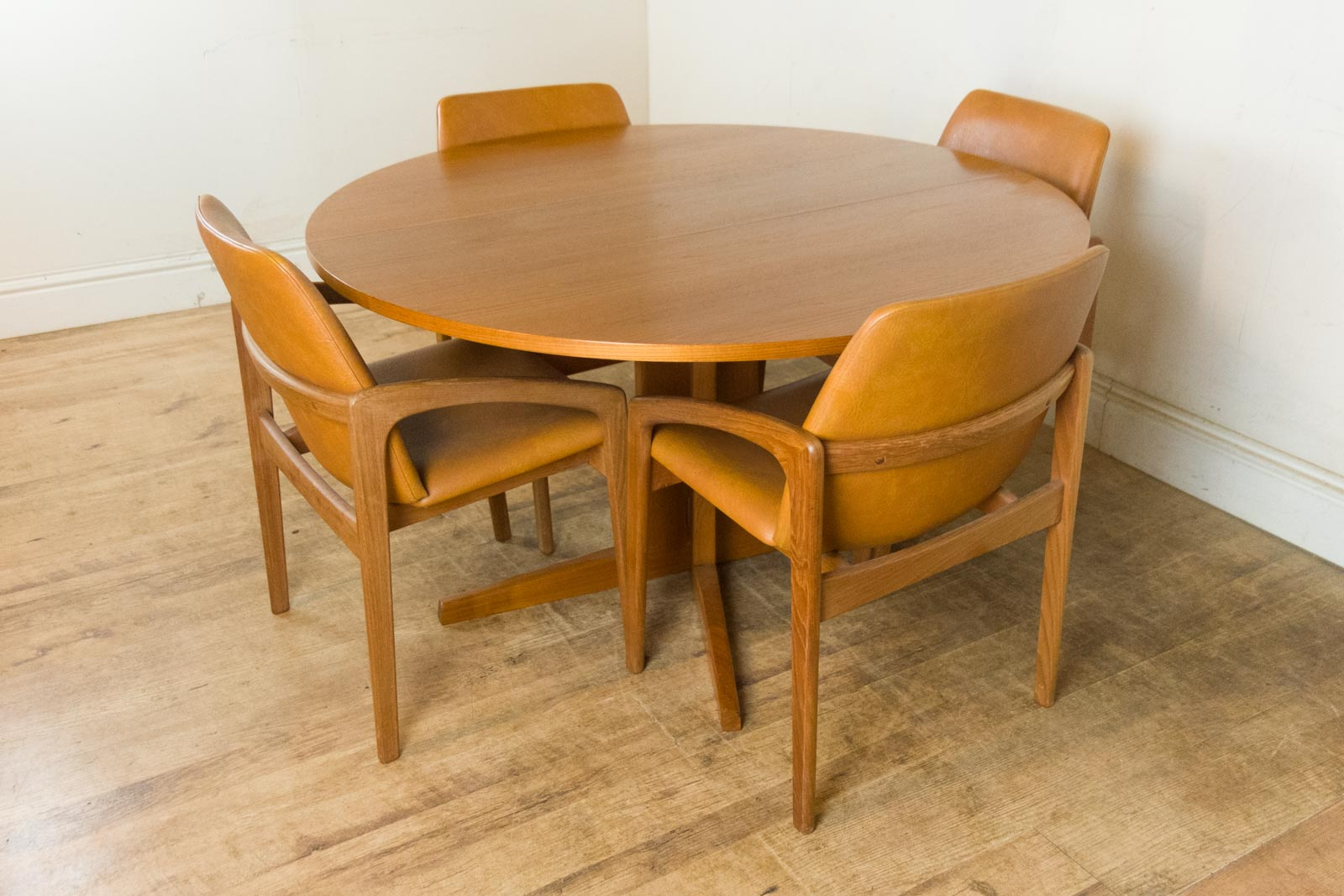 vintage retro danish teak drop leaf dining table and 4 kai kritiansen chairs ebay. Black Bedroom Furniture Sets. Home Design Ideas