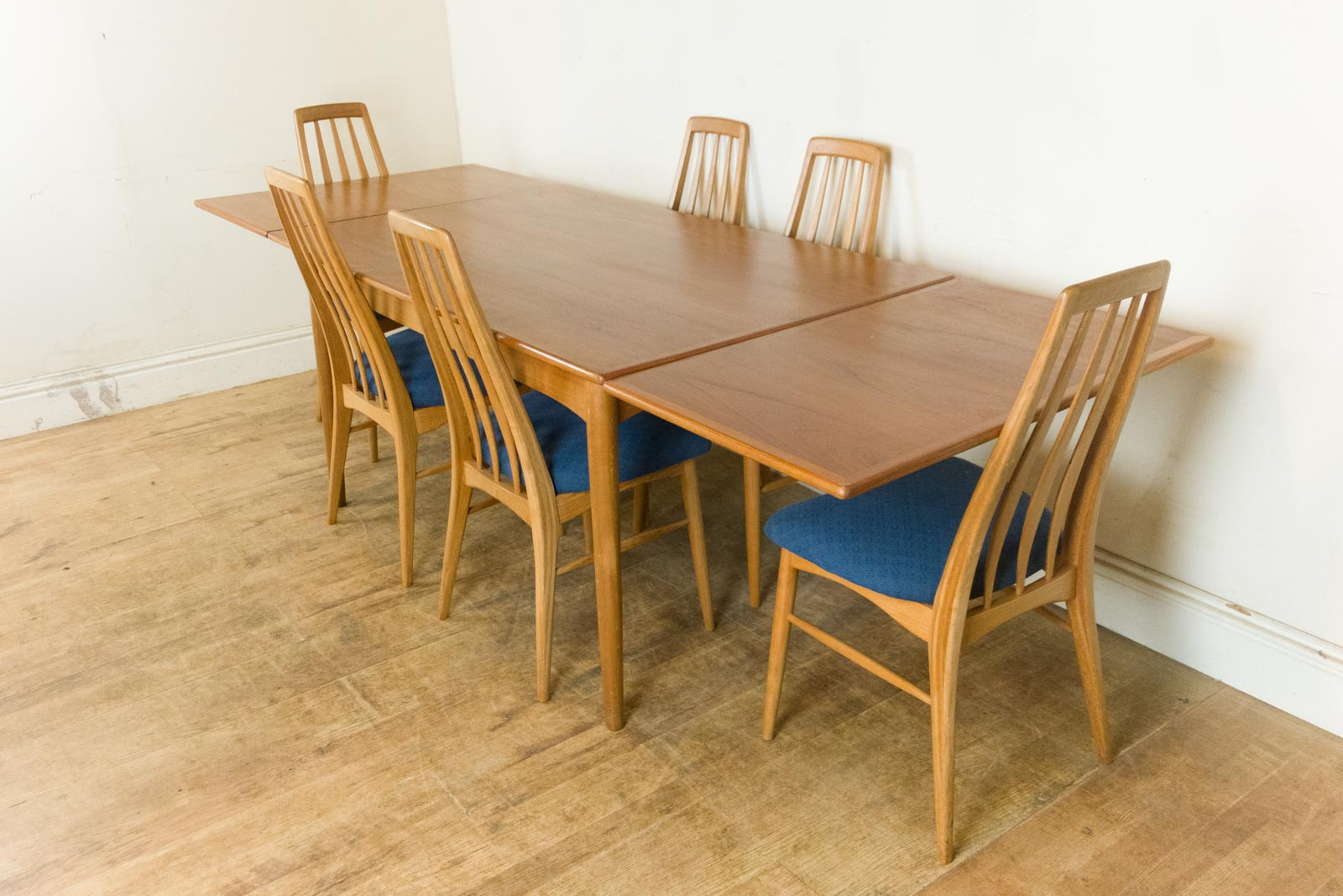 Vintage Retro Danish Teak Dining Table And 6 Eva Chairs